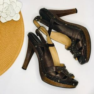 FRYE PUMP/HEEL STUDDED AND STRAPPY